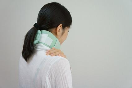 事故の衝撃は首や腰に大きなダメージを受けやすいです