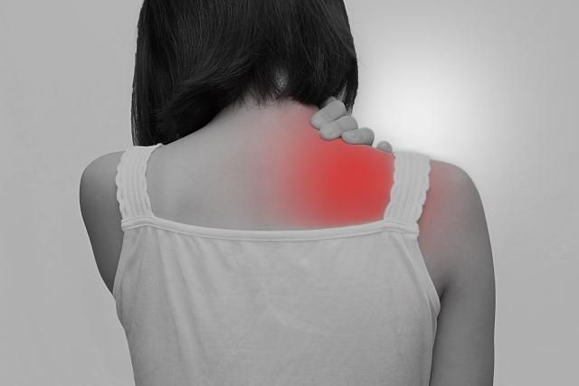 筋肉疲労の蓄積も肩こりの原因になります